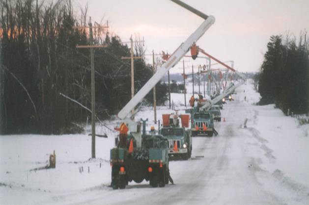 K-Line fixing lines during the 1998 ice storm, Ontario